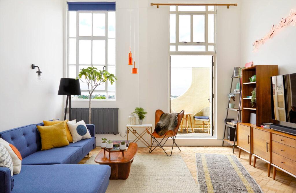 интерьер маленькой гостиной, ремонт гостевой комнаты, как выбрать диван